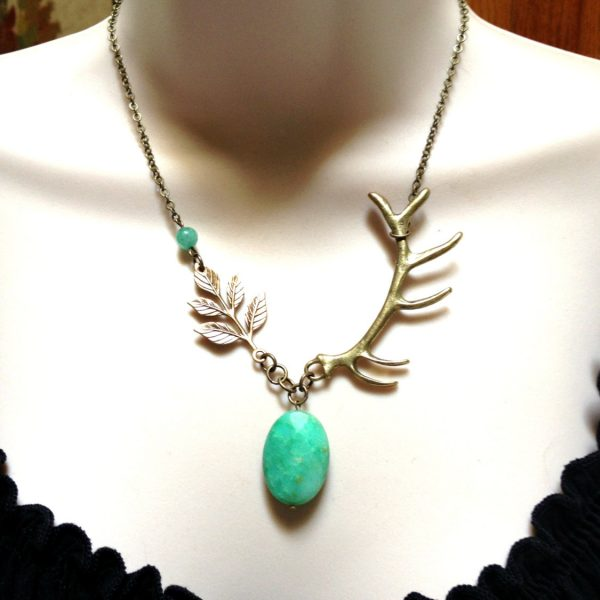 Antler necklace, gemstone pendant, nature jewelry