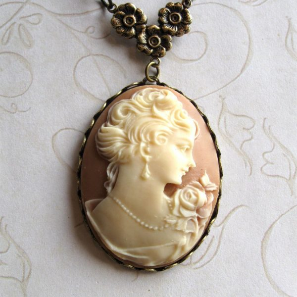 Beige Cameo Necklace with Victorian Lady