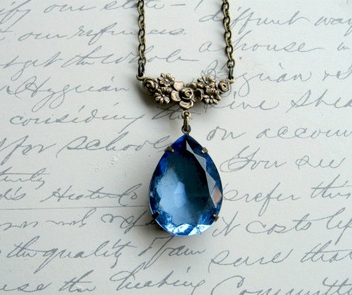 Blue crystal pendant necklace, vintage inspired