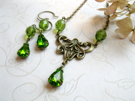 Green jewel necklace set, vintage inspired, Victorian style