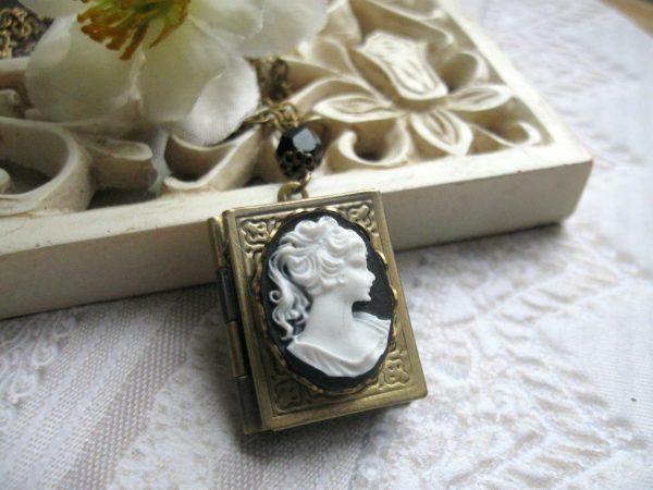 Lady cameo locket necklace, black and white