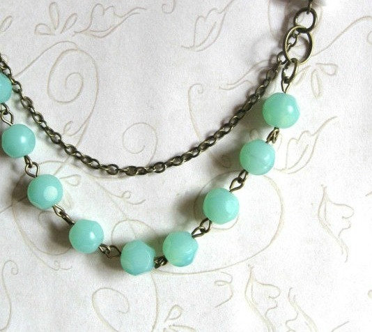 Mint green necklace, vintage style